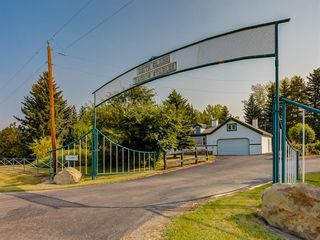 Photo 1: 276156 32 Street E: Rural Foothills County Agriculture for sale : MLS®# A1031383