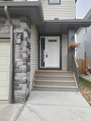 Photo 2: 2836 16 Avenue in Edmonton: Zone 30 House Half Duplex for sale : MLS®# E4220273