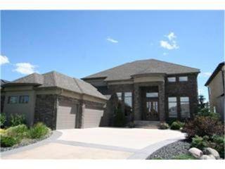 Photo 1: 24 EASTOAK Drive in WINNIPEG: Windsor Park / Southdale / Island Lakes Residential for sale (South East Winnipeg)  : MLS®# 1105126