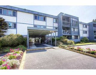 "Photo 2: 209 3411 SPRINGFIELD Drive in Richmond: Steveston North Condo for sale in ""BAYSIDE COURT"" : MLS®# V908427"