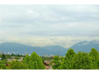 """Photo 10: 619 E 30TH Avenue in Vancouver: Fraserview VE House for sale in """"MAIN/FRASER"""" (Vancouver East)  : MLS®# V917163"""