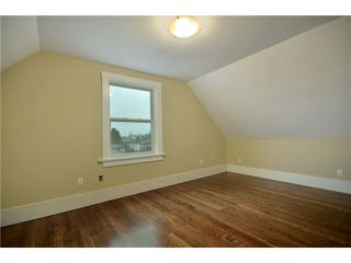 """Photo 7: 619 E 30TH Avenue in Vancouver: Fraserview VE House for sale in """"MAIN/FRASER"""" (Vancouver East)  : MLS®# V917163"""