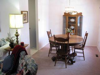 Photo 3: 2 Montclair Bay in Winnipeg: Fort Garry / Whyte Ridge / St Norbert Residential for sale (South Winnipeg)  : MLS®# 1305630