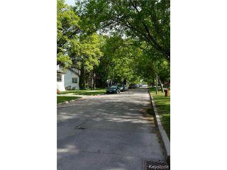 Photo 3: 341 Woodlawn Street in WINNIPEG: St James Residential for sale (West Winnipeg)  : MLS®# 1413801