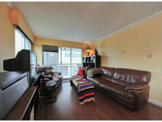 "Photo 3: 101 1331 FIR Street: White Rock Condo for sale in ""BARCLAY"" (South Surrey White Rock)  : MLS®# F1428940"