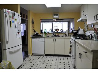 "Photo 9: 1603 14881 103A Avenue in Surrey: Guildford Condo for sale in ""SUNWEST ESTATES"" (North Surrey)  : MLS®# F1432024"