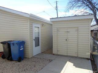 Photo 2: 524 Parkview Street in WINNIPEG: St James Residential for sale (West Winnipeg)  : MLS®# 1510764