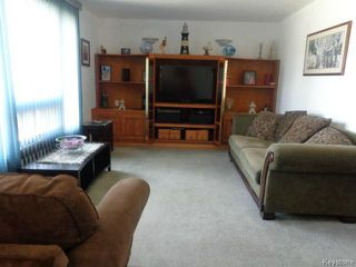 Photo 4: 524 Parkview Street in WINNIPEG: St James Residential for sale (West Winnipeg)  : MLS®# 1510764
