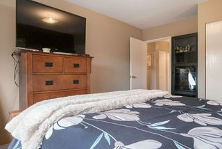 """Photo 16: 215 1442 BLACKWOOD Street: White Rock Condo for sale in """"BLACKWOOD MANOR"""" (South Surrey White Rock)  : MLS®# R2026649"""