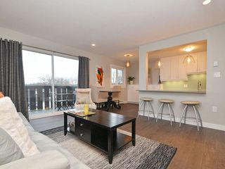Photo 4: 402 1122 Hilda St in VICTORIA: Vi Fairfield West Condo Apartment for sale (Victoria)  : MLS®# 721410