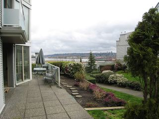 "Photo 16: 105 68 RICHMOND Street in New Westminster: Fraserview NW Condo for sale in ""GATEHOUSE PLACE"" : MLS®# R2046449"