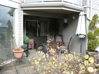 "Photo 15: 105 68 RICHMOND Street in New Westminster: Fraserview NW Condo for sale in ""GATEHOUSE PLACE"" : MLS®# R2046449"