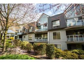 "Photo 1: 105 68 RICHMOND Street in New Westminster: Fraserview NW Condo for sale in ""GATEHOUSE PLACE"" : MLS®# R2046449"