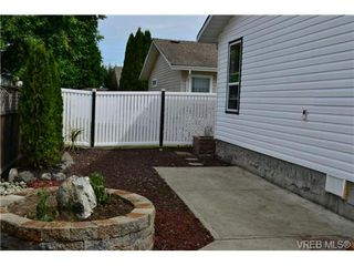 Photo 3: 15 Eagle Lane in VICTORIA: VR Glentana Manu Double-Wide for sale (View Royal)  : MLS®# 366867