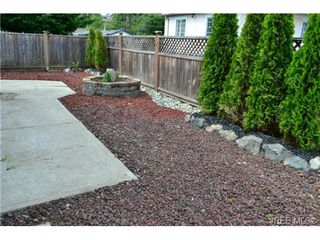 Photo 4: 15 Eagle Lane in VICTORIA: VR Glentana Manu Double-Wide for sale (View Royal)  : MLS®# 366867