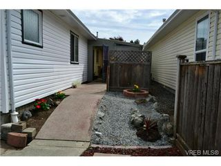 Photo 2: 15 Eagle Lane in VICTORIA: VR Glentana Manu Double-Wide for sale (View Royal)  : MLS®# 366867