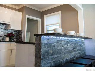 Photo 5: 1079 Valour Road in Winnipeg: West End / Wolseley Residential for sale (West Winnipeg)  : MLS®# 1618701