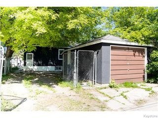 Photo 2: 1079 Valour Road in Winnipeg: West End / Wolseley Residential for sale (West Winnipeg)  : MLS®# 1618701