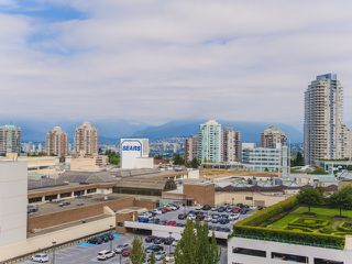 """Photo 14: 1406 6595 BONSOR Avenue in Burnaby: Metrotown Condo for sale in """"BONSOR AVE. PLACE"""" (Burnaby South)  : MLS®# R2105817"""