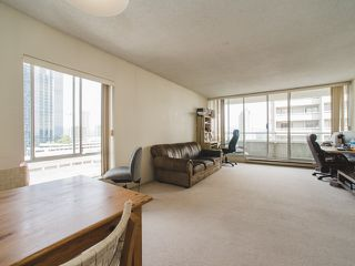 """Photo 8: 1406 6595 BONSOR Avenue in Burnaby: Metrotown Condo for sale in """"BONSOR AVE. PLACE"""" (Burnaby South)  : MLS®# R2105817"""