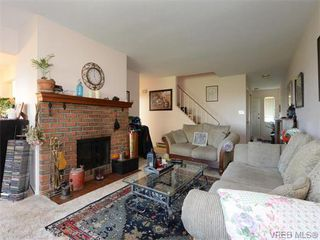 Photo 3: 23 7751 East Saanich Rd in SAANICHTON: CS Saanichton Row/Townhouse for sale (Central Saanich)  : MLS®# 745848