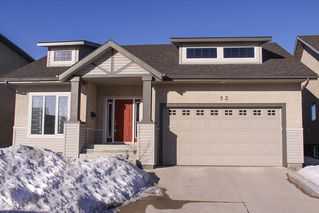 Photo 1: 23 Appletree Crescent in Winnipeg: Bridgwater Forest Residential for sale (1R)  : MLS®# 1702055