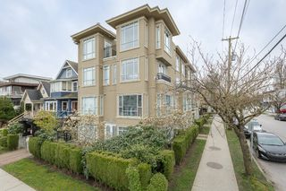 """Photo 2: 202 2190 W 5TH Avenue in Vancouver: Kitsilano Condo for sale in """"KITSILANO"""" (Vancouver West)  : MLS®# R2154140"""