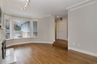 Photo 8: 16 N HOLDOM Avenue in Burnaby: Capitol Hill BN House for sale (Burnaby North)  : MLS®# R2162276