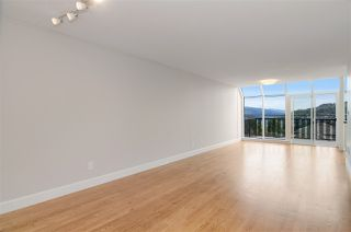 Photo 3: 16 N HOLDOM Avenue in Burnaby: Capitol Hill BN House for sale (Burnaby North)  : MLS®# R2162276