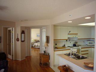 Photo 17: 1602 154 Promenade in The Beacon: Waterfront Condo for sale : MLS®# 283487