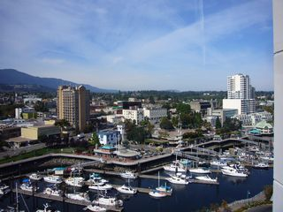 Photo 8: 1602 154 Promenade in The Beacon: Waterfront Condo for sale : MLS®# 283487