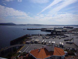 Photo 3: 1602 154 Promenade in The Beacon: Waterfront Condo for sale : MLS®# 283487