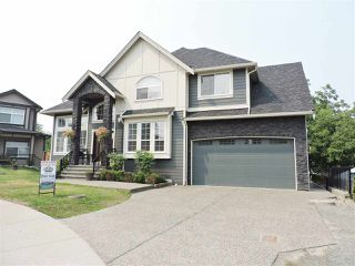 Photo 2: 8237 TANAKA TERRACE in Mission: Mission BC House for sale : MLS®# R2193387