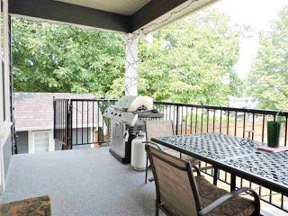 Photo 4: 8237 TANAKA TERRACE in Mission: Mission BC House for sale : MLS®# R2193387