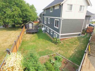 Photo 3: 8237 TANAKA TERRACE in Mission: Mission BC House for sale : MLS®# R2193387