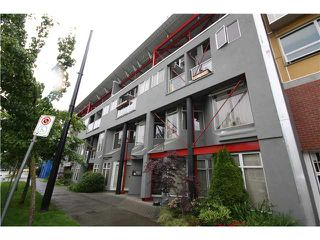 Photo 6: # C1 238 E 10TH AV in Vancouver: Mount Pleasant VE Condo for sale (Vancouver East)  : MLS®# V956199