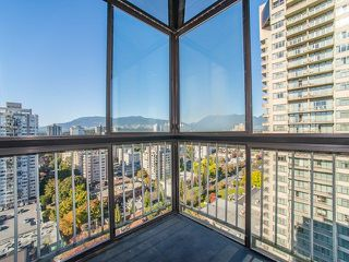 "Photo 11: 2003 1740 COMOX Street in Vancouver: West End VW Condo for sale in ""The Sandpiper"" (Vancouver West)  : MLS®# R2212891"