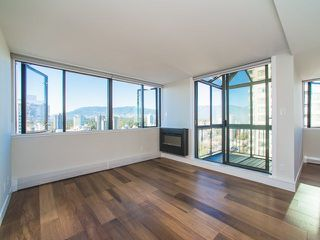 "Photo 10: 2003 1740 COMOX Street in Vancouver: West End VW Condo for sale in ""The Sandpiper"" (Vancouver West)  : MLS®# R2212891"