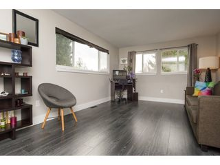 """Photo 3: 101 1840 160 Street in Surrey: King George Corridor Manufactured Home for sale in """"Breakaway Bays"""" (South Surrey White Rock)  : MLS®# R2215928"""