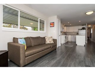 """Photo 6: 101 1840 160 Street in Surrey: King George Corridor Manufactured Home for sale in """"Breakaway Bays"""" (South Surrey White Rock)  : MLS®# R2215928"""