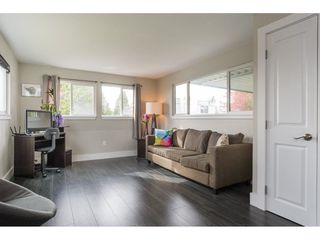 """Photo 5: 101 1840 160 Street in Surrey: King George Corridor Manufactured Home for sale in """"Breakaway Bays"""" (South Surrey White Rock)  : MLS®# R2215928"""