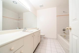 "Photo 14: 1902 5885 OLIVE Avenue in Burnaby: Metrotown Condo for sale in ""THE METROPOLITAN"" (Burnaby South)  : MLS®# R2226027"