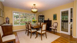 Photo 4: 2946 Tudor Avenue in VICTORIA: SE Ten Mile Point Single Family Detached for sale (Saanich East)  : MLS®# 387091