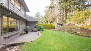 Photo 16: 2946 Tudor Avenue in VICTORIA: SE Ten Mile Point Single Family Detached for sale (Saanich East)  : MLS®# 387091