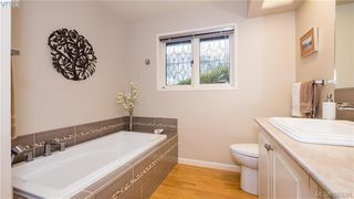 Photo 13: 2946 Tudor Avenue in VICTORIA: SE Ten Mile Point Single Family Detached for sale (Saanich East)  : MLS®# 387091