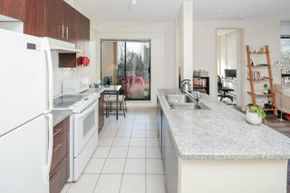 Photo 2: 303 7388 SANDBORNE Avenue in Burnaby: South Slope Condo for sale (Burnaby South)  : MLS®# R2243982