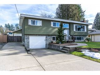 Photo 2: 2146 BAKERVIEW Street in Abbotsford: Abbotsford West House for sale : MLS®# R2244613