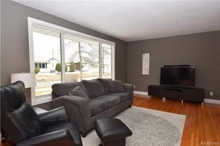 Photo 2: 828 Simpson Avenue in Winnipeg: East Kildonan Residential for sale (3B)  : MLS®# 1808058