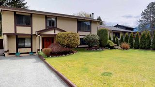 Photo 1: 1530 EAGLE RUN Drive in Squamish: Brackendale House for sale : MLS®# R2259655