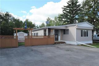 Photo 1: 4 DELTA Crescent in St Clements: Pineridge Trailer Park Residential for sale (R02)  : MLS®# 1818018
